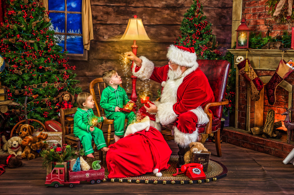 Magical Santa Experience - Charleen's Portrait Studio